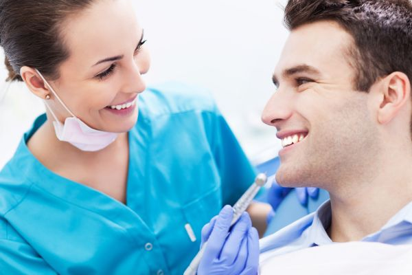 Visit An Emergency Dentist For These Urgent Dental Issues